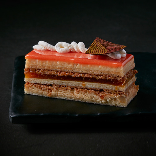 Buy Apricot, Vanilla and Almond praline cake Online